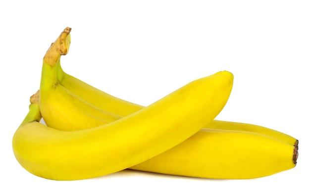 Bananas maduras isoladas no fundo branco. comida saudável