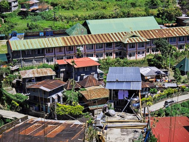 Banaue, filipinas - 9 de março de 2012. a pequena vila em banaue, filipinas