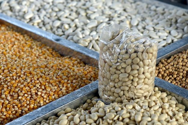 Bancada de grãos de perto