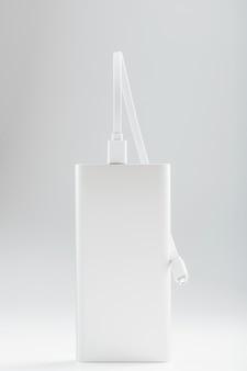 Banco de energia para carregar seu smartphone em uma superfície branca