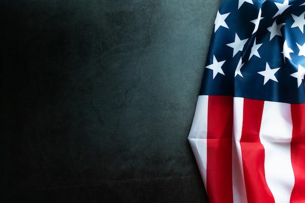 Bandeira americana em fundo abstrato