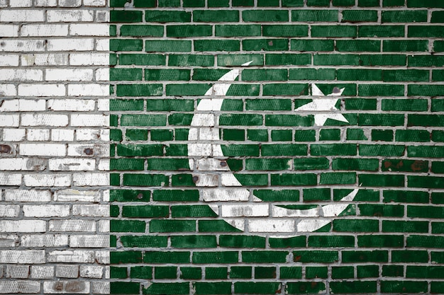 Bandeira bandeira na parede de tijolo