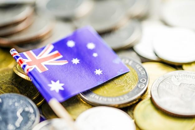 Bandeira da austrália em moedas: financiar o conceito de economia de investimento