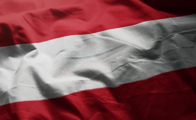 Bandeira da áustria amarrotada close up