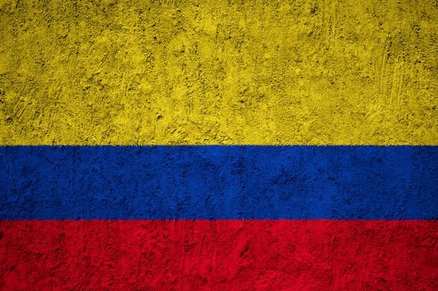 Bandeira da colômbia na parede de concreto