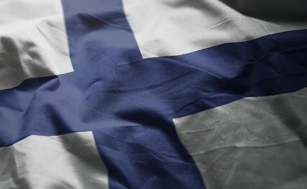 Bandeira da finlândia amarrotada close up