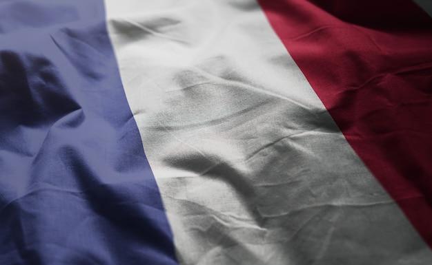 Bandeira da frança amarrotada close up