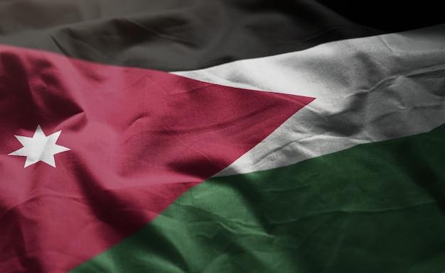 Bandeira da jordânia amarrotada close up