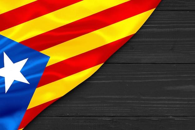 Bandeira da pró-independência catalunha cópia espaço