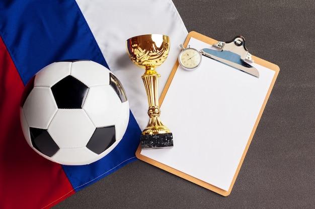 Bandeira da rússia com bola de futebol