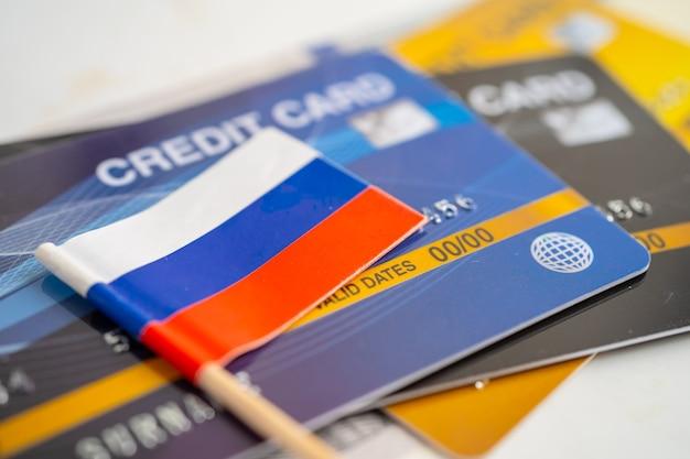 Bandeira da rússia no cartão de crédito desenvolvimento financeiro estatísticas de contas bancárias