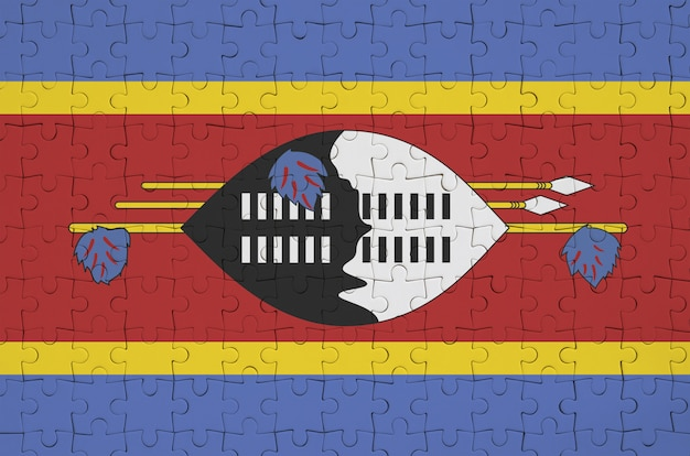 Bandeira da suazilândia é retratada em um quebra-cabeça dobrado