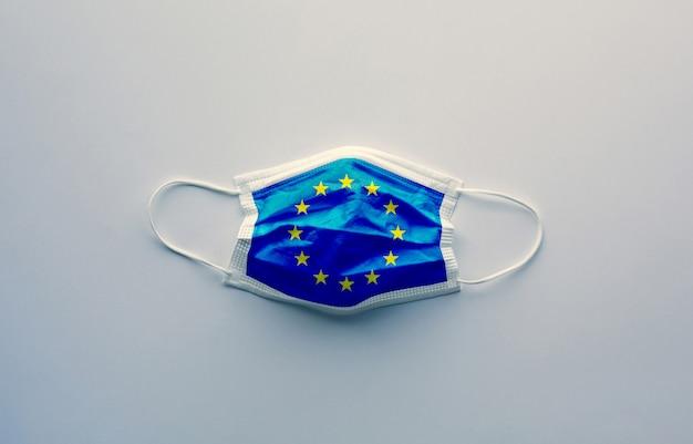 Bandeira da ue na máscara