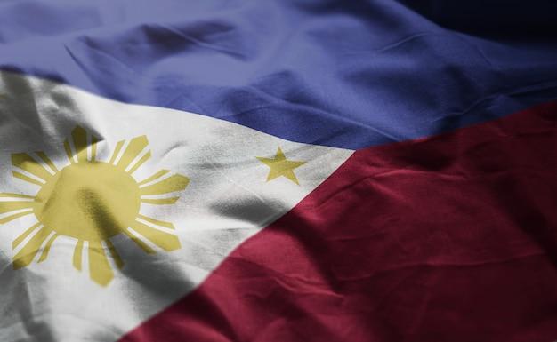 Bandeira das filipinas amarrotada close up