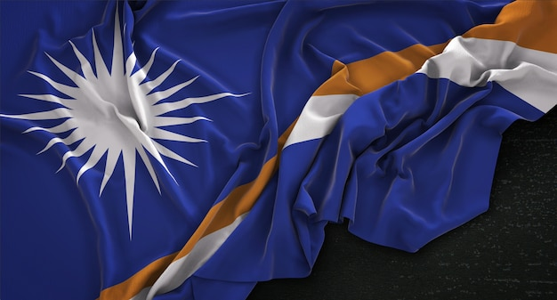 Bandeira das ilhas marshall enrugada no fundo escuro 3d render