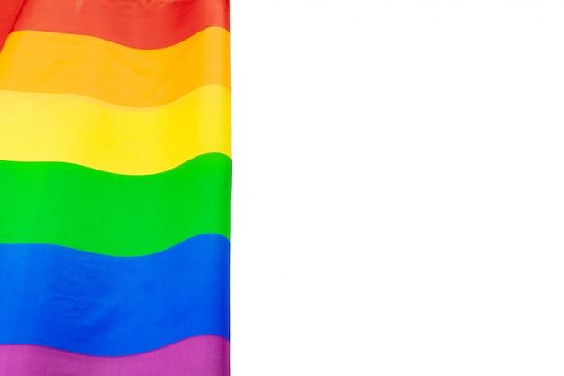 Bandeira de arco-íris orgulho lgbt isolada no branco