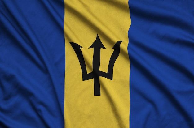 Bandeira de barbados com muitas dobras.