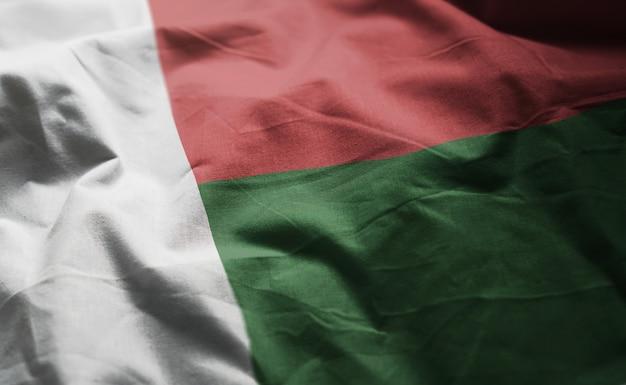 Bandeira de madagascar amarrotada close up