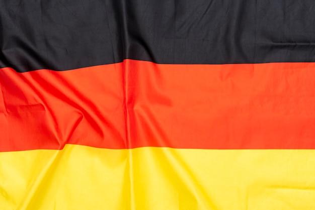 Bandeira de tecido natural amassado da alemanha ou bandeira alemã