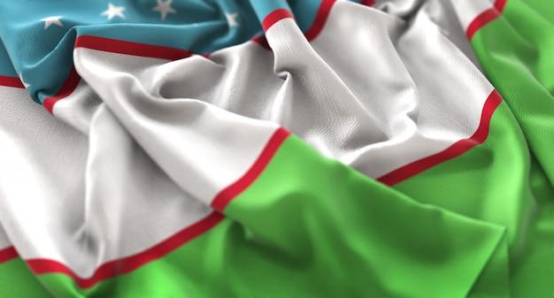 Bandeira de uzbequistão ruffled beautifully waving macro close-up shot