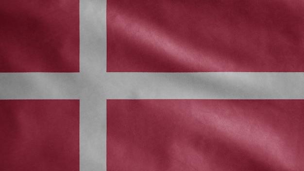 Bandeira dinamarquesa agitando ao vento