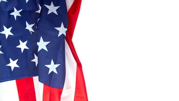Bandeira do eua isolada no fundo branco, pode ser usado para o memorial day, dia do trabalho, 4 de julho etc