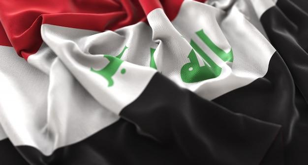 Bandeira do iraque ruffled beautifully waving macro close-up shot