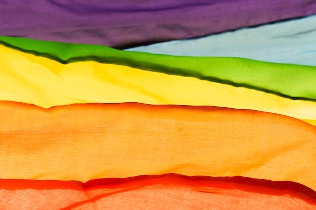 Bandeira do orgulho gay de close-up em cores do arco-íris