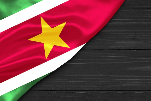 Bandeira do suriname cópia espaço