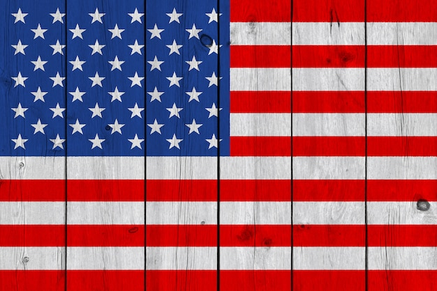 Bandeira dos estados unidos pintada na prancha de madeira velha