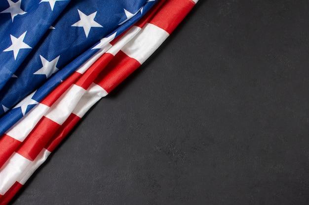 Bandeira dos eua plana leigos com cópia-espaço