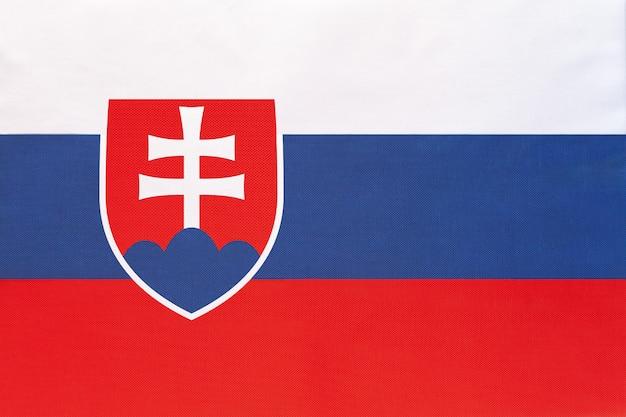 Bandeira nacional da eslováquia, símbolo do país europeu do mundo internacional.
