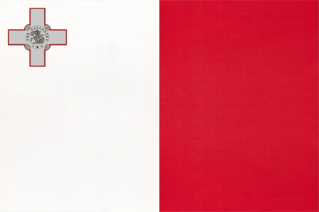 Bandeira nacional da república de malta com emblema