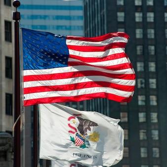 Bandeiras ao longo da avenida michigan, em chicago