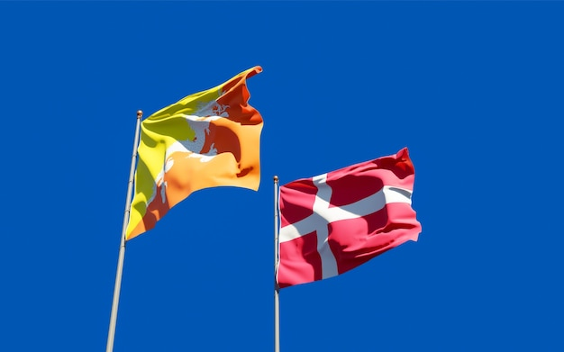 Bandeiras da dinamarca e do butão.