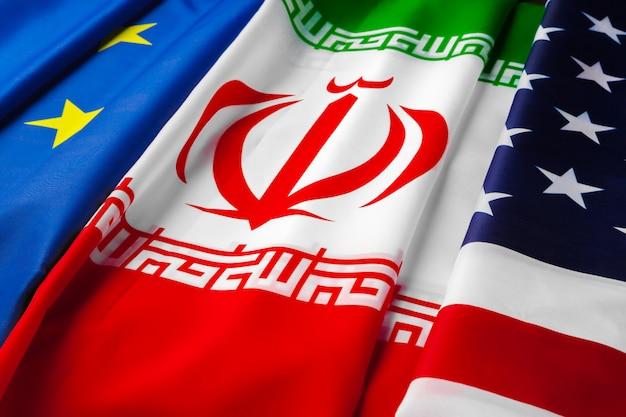 Bandeiras do irã, união europeia e eua juntos