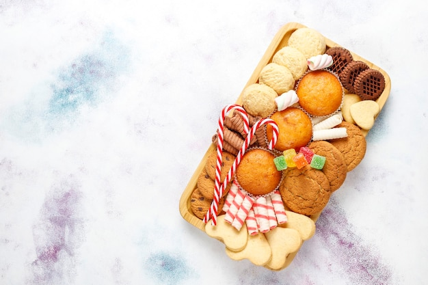 Bandeja de doces de natal.