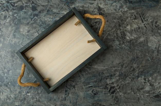 Bandeja de madeira vazia