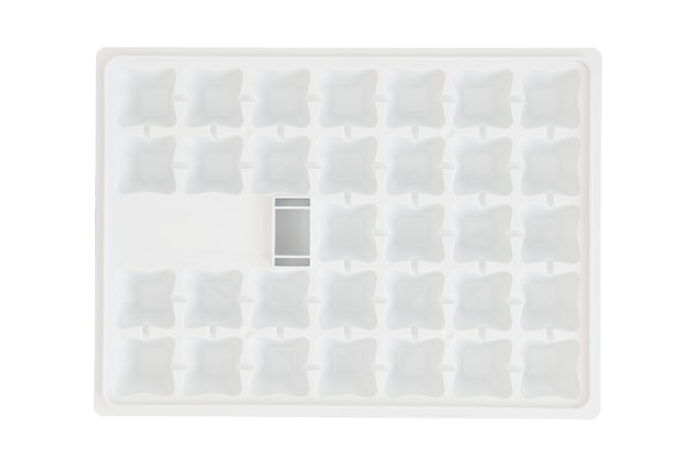 Bandeja de plástico para produção de cubos de gelo no freezer da geladeira, fundo branco
