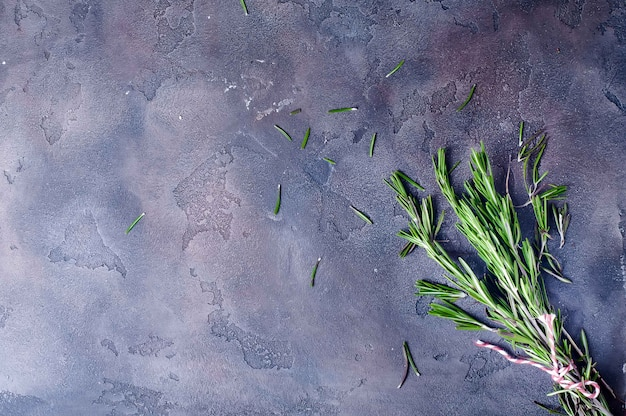 Bando de alecrim verde fresco