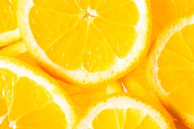 Bando de laranjas frescas em fatias