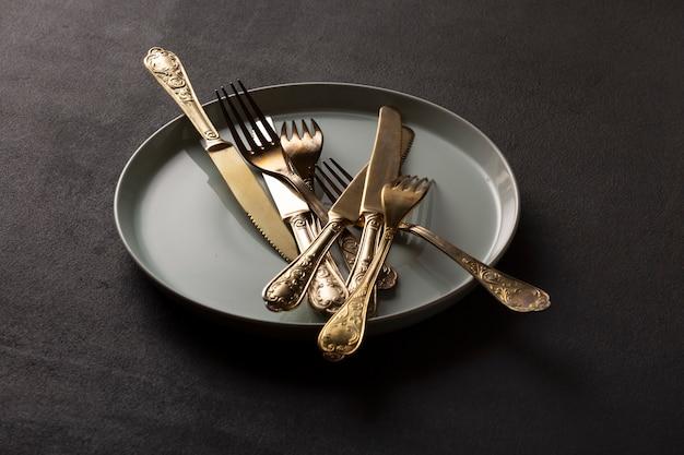 Banhado a prata velho, talheres, talheres vintage, talheres de plástico, século xviii, faca garfo
