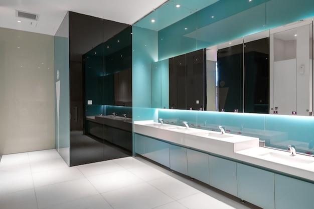 Banheiro de luxo no shopping