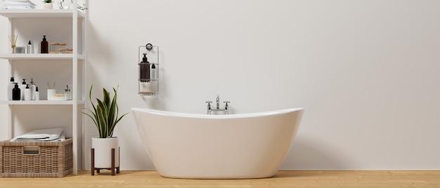 Banheiro minimalista moderno com banheira de luxo, prateleiras elegantes com acessórios de banho na parede branca
