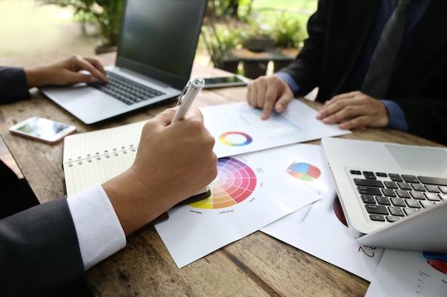 Banqueiro de vista superior empresário pessoas trabalhando em grupo
