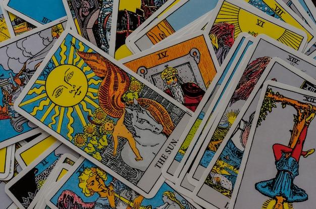 Baralho de cartas tarot rider-waite.