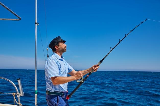 Barba, marinheiro, homem, cana de pesca, trolling, em, saltwater