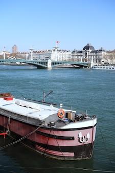 Barcaça de lyon