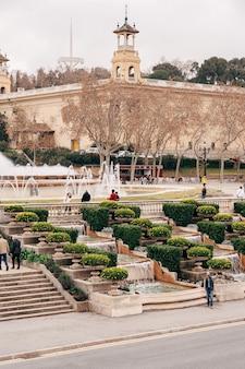 Barcelona espanha dezembro a fonte mágica de montjuic na colina de montjuic em barcelona espanha
