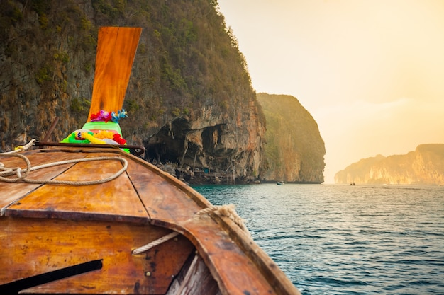 Barco de madeira tradicional